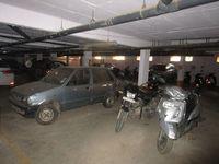 13M5U00281: parking 1