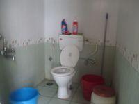 12M5U00388: Bathroom 1