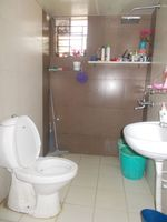 12DCU00108: Bathroom 3