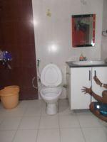12DCU00108: Bathroom 1