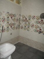 Sub Unit 15OAU00220: bathrooms 1