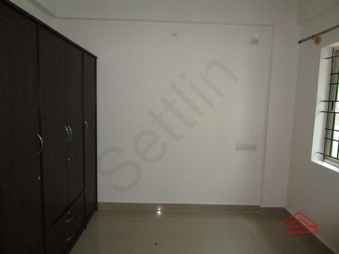 15A4U00132: Bedroom 1