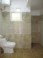 15J7U00001: Bathroom 4