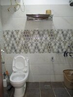 15J7U00001: Bathroom 3