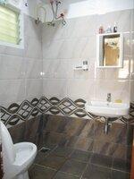 15J7U00001: Bathroom 2