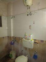 13M3U00354: Bathroom 2