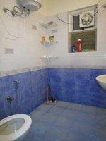 13J7U00136: Bathroom 3