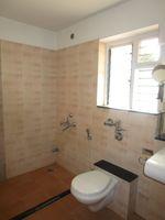 13A4U00252: Bathroom 4