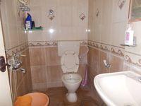 11DCU00240: Bathroom 1