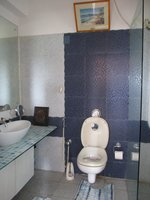 13DCU00149: Bathroom 3