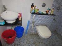 13A8U00280: Bathroom 1