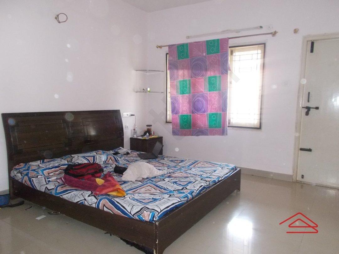 13A8U00215: Bedroom 1