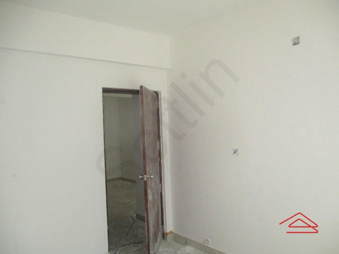 13M5U00085: Bedroom 1