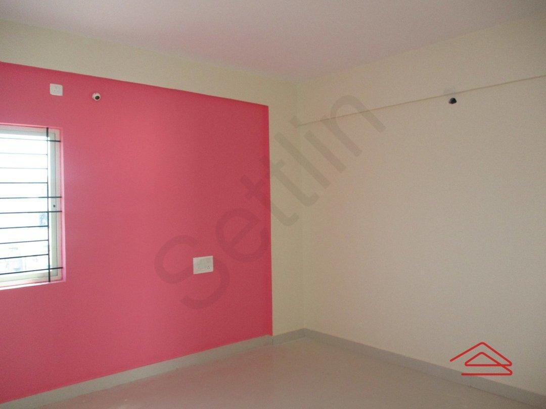 14F2U00407: Bedroom 1