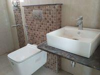 12M5U00299: Bathroom 3