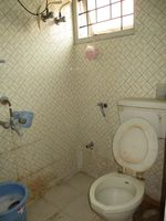 10A4U00047: Bathroom 1