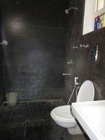 13DCU00323: Bathroom 3