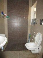 13DCU00323: Bathroom 1