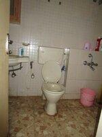 14DCU00597: Bathroom 2