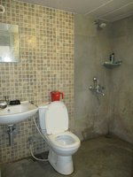14F2U00436: Bathroom 2