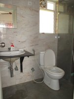 14F2U00436: Bathroom 1