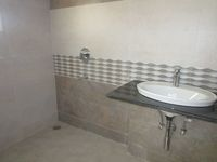 13A4U00328: Bathroom 1