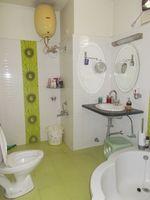 13M3U00362: Bathroom 3