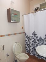 13M3U00362: Bathroom 1