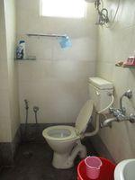 13J1U00264: Bathroom 2