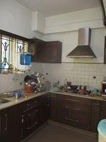 13J1U00264: Kitchen 1