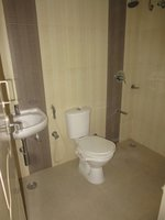14J1U00417: Bathroom 1
