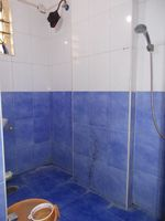 11OAU00178: Bathroom 2