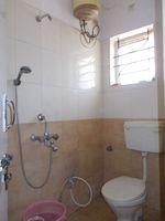 11OAU00178: Bathroom 3
