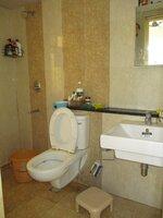 15S9U00300: Bathroom 1