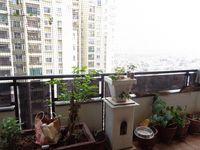 12OAU00076: Balcony 1