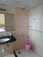 12OAU00076: Bathroom 1