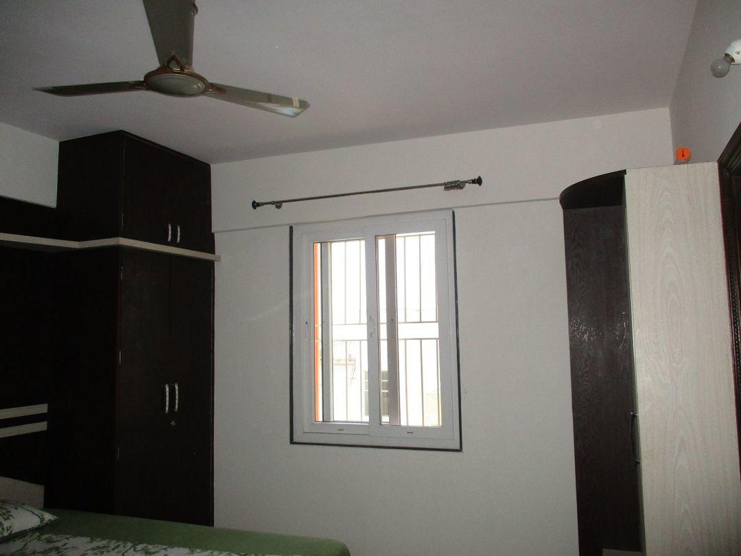 10M3U00241: Bedroom one