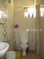 15A4U00381: Bathroom 2