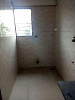 12J6U00530: Bathroom 2