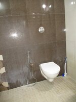 15F2U00248: Bathroom 2