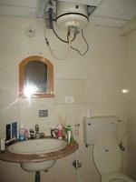 11M5U00148: Bathroom 1