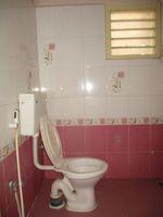 11DCU00236: Bathroom 1