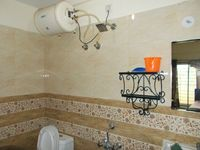 12NBU00027: Bathroom 1