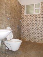 14J6U00008: Bathroom 4
