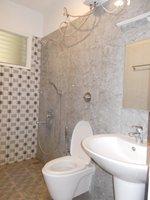 14J6U00008: Bathroom 2