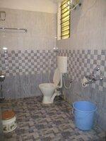 15F2U00160: Bathroom 2