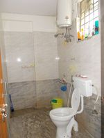 13J6U00206: Bathroom 1