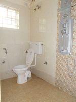 13M3U00104: Bathroom 1