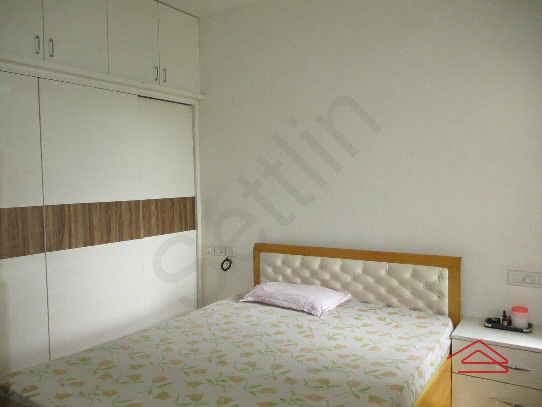 15J7U00052: Bedroom 1