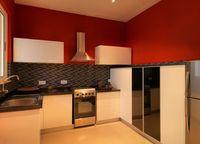 13J7U00051: Kitchen 1